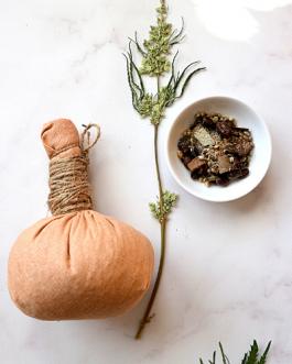 Rozgrzewające ziołowo-konopne stemple do masażu