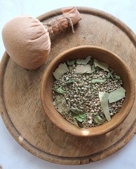 Chłodzące ziołowo-konopne stemple do masażu